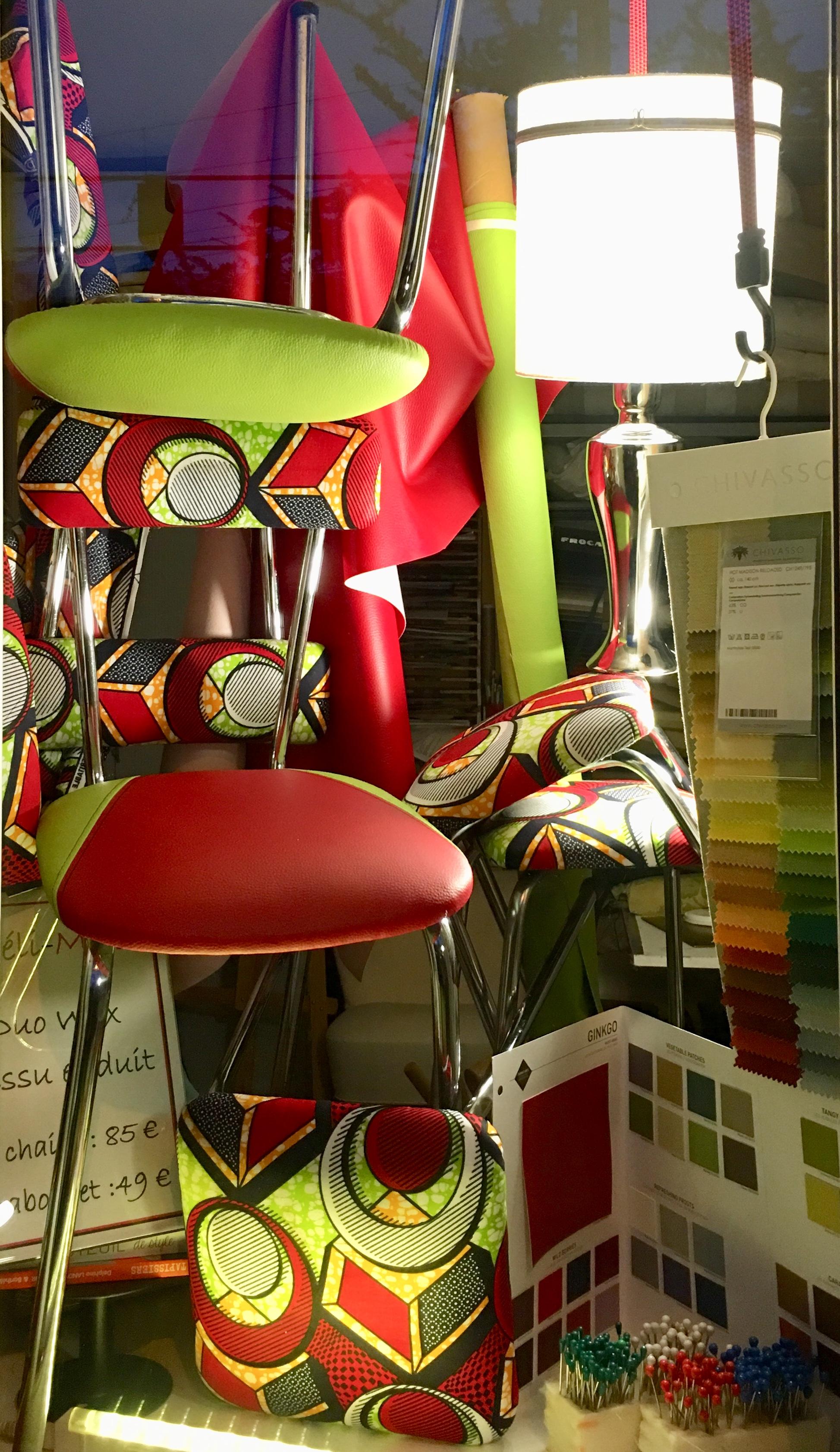 Méli-Mélo de chaises et tabourets