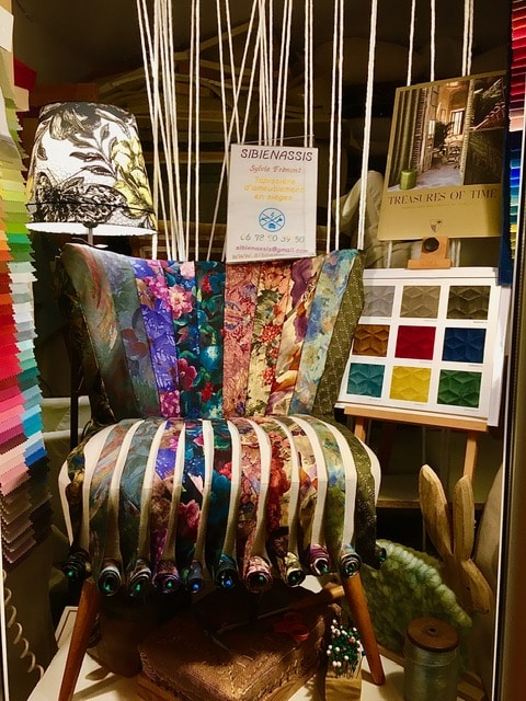 Relooking déco sur fauteuil cocktail réalisé par l'atelier Sibienassis